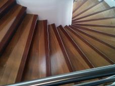 Menuiserie intérieure : escaliers
